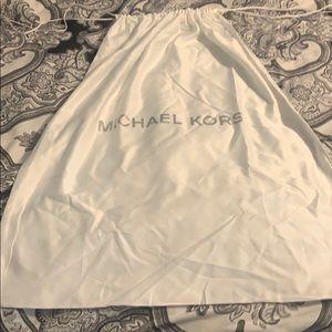 White dust bag